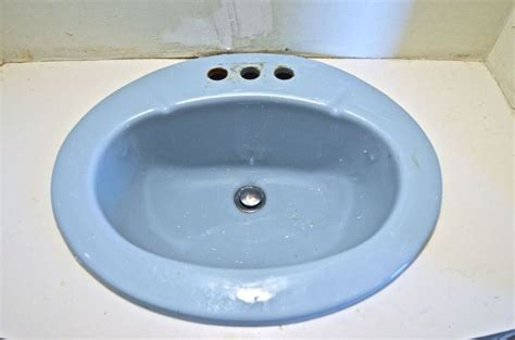 spray paint kitchen sink how to paint a sink sinks bath tubs and tubs 5659