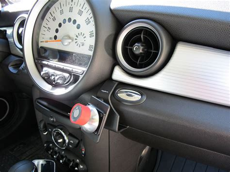 mini cooper iphone holder iomounts ioauto pro car mount review the gadgeteer