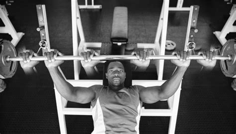 Try Close Grip Bench Press For Tricep & Inner Chest Benefits