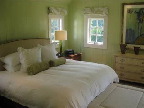 Sage Green Bedroom Walls Decoration Ideas
