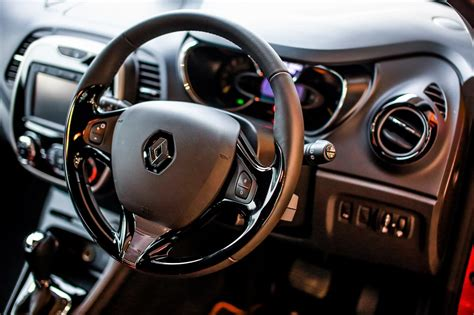 renault captur interior 2016 tc euro cars confirms price for renault captur crossover