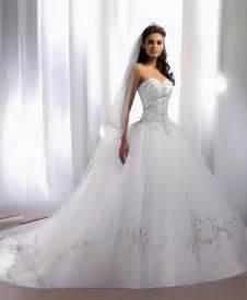robe soirã e mariage le de robe de mariée empire du mariage 2013 modèle maradiva