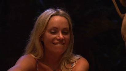 Sarah Sutherland Giphy Smiles Kiefer Gifs