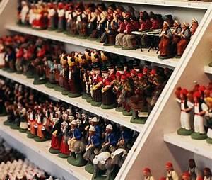 Personnage Pour Village De Noel : les santons de provence ~ Melissatoandfro.com Idées de Décoration