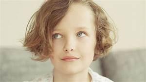 Coupe De Cheveux Fillette : coupe de cheveux court pour petite fille ~ Melissatoandfro.com Idées de Décoration