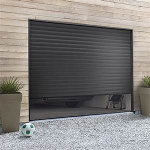 pose d39une porte de garage enroulable leroy merlin With porte de garage enroulable avec portes de services pvc