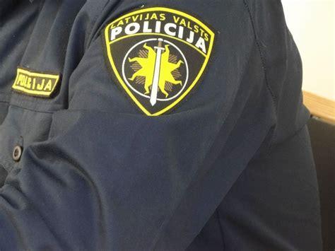 Lems par policijas darbinieka, kura uzvedība pārsteidza ...