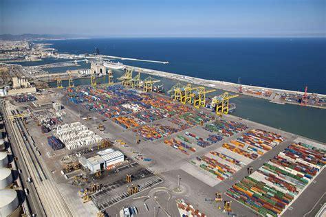 porto di barcellona il porto di barcellona compie un salto di qualit 224 nel 2017