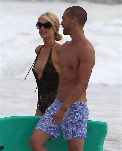 Hilton Paris Boyfriend Swimsuit Beach Malibu Candids