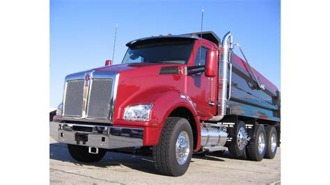 kenworth truck company kenworth displaying five new t880s at conexpo from