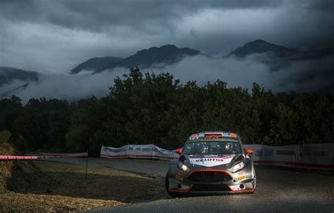 Robert Kubica Rallye Ford Wrc 2015 Viral by Wallpaper Ford Wrc Rally Rally Fas