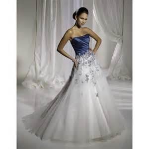 robe de mariã e bleu robes de mariée bleu et blanc robe de mariée décoration de mariage