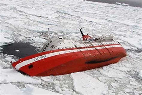 Antarctic Cruise Ship Sinks who s responsible when a cruise ship sinks in antarctica