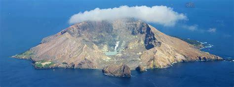 zealand north island volcano hot spots flight centre