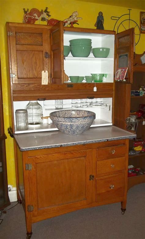 Hoosier Cupboard by Great Seller S Kitchen Cupboard Hoosier Cabinets
