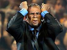 R. Kelly remains in jail after failing to post bail…