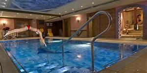 Kosten Schwimmbad Im Haus : wellness hotel nah am chiemsee schwimmbad und whirlpool ~ Markanthonyermac.com Haus und Dekorationen