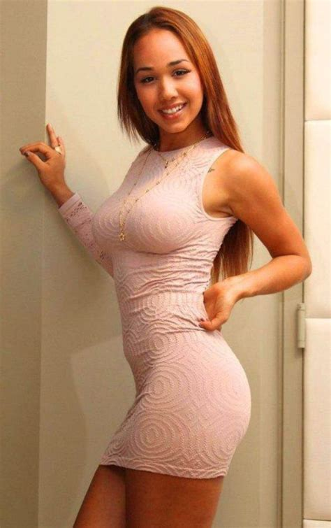 Girls Who Know How To Own A Tight Dress Photos Dailyscene Com