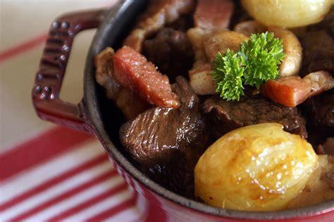 cuisiner le boeuf bourguignon vive les recettes de bons petits plats mijotés
