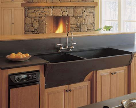 big kitchen sinks a gallery of kitchen sinks homebuilding 4622
