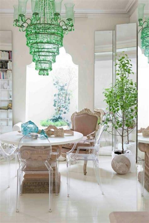 chaises de séjour pourquoi choisir la chaise design transparente