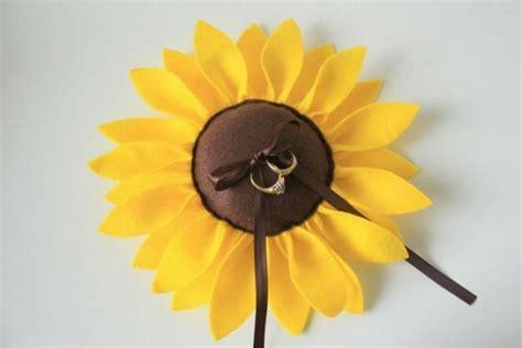 zeremonie felt sunflower wedding ring pillow 2334953