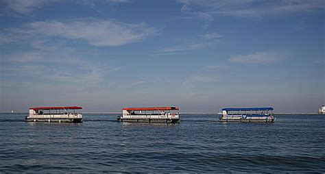 Milwaukee River Boat Rentals by Why You Should Go