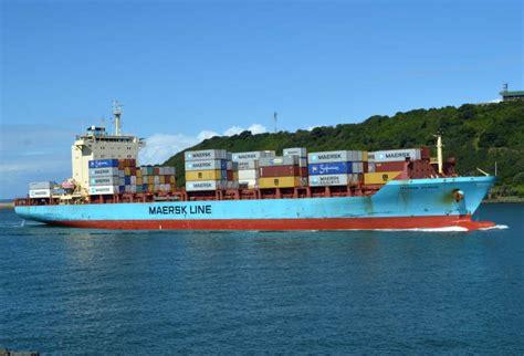 maersk vilnius  october   trh  africa ports