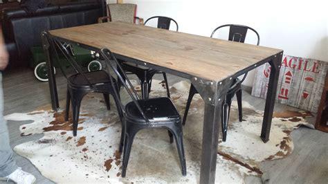 table de salle a manger industrielle indogate decoration cuisine style industriel
