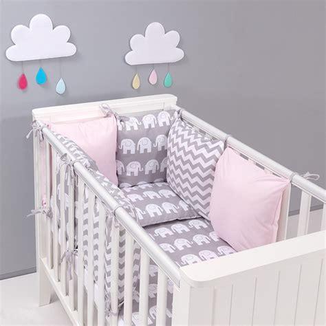 tour de lit bebe et gris tour de lit modulable et parure de lit b 233 b 233 el 233 phants gris