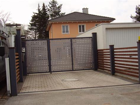 Das Tor Alles Ueber Die Oeffnung Im Zaun by Tore Tor 230