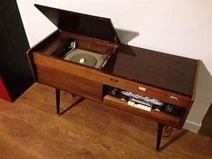 Meuble Pour Tourne Disque : meuble radio tourne disque des ann es 50 stereo meuble ~ Teatrodelosmanantiales.com Idées de Décoration