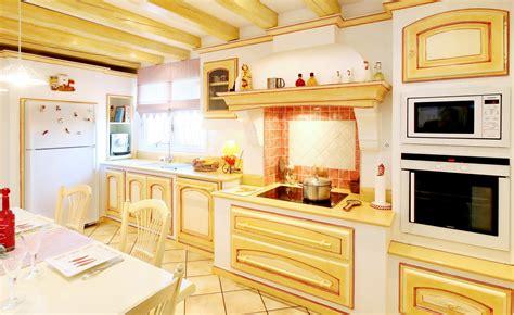 cuisine proven 231 ale jaune cuisines vente et pose de cuisine chemin 233 e et poeles 224 bois haut de gamme