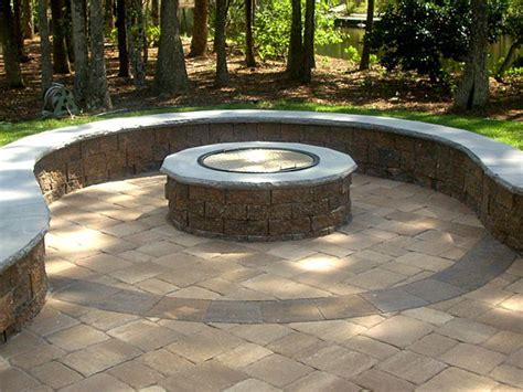 setting patio pavers diy patio pit with pavers