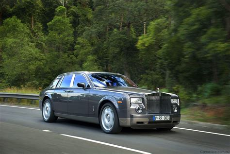 roll royce road rolls royce phantom review road test photos 1 of 18