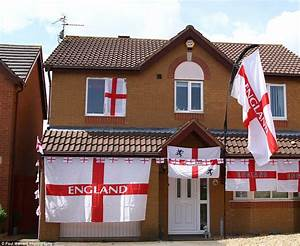 Garage Saint Georges : world cup fever goes into overdrive as houses are draped in the st george 39 s cross daily mail ~ Medecine-chirurgie-esthetiques.com Avis de Voitures