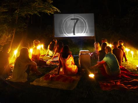 diy family flicks      backyard  theater