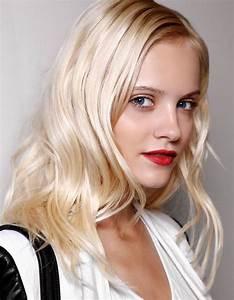 Tie And Dye Blond Cendré : le blond platine cheveux blonds les nuances demander son coiffeur elle ~ Melissatoandfro.com Idées de Décoration