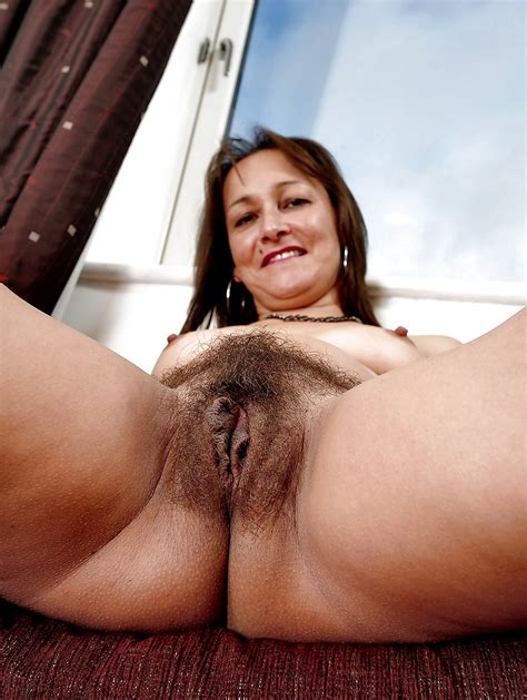 Mature Hairy Perfect Pussy 9 Pics