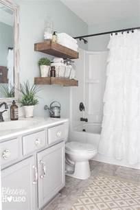 bathroom decorating ideas on a budget best 25 apartment bathroom decorating ideas on
