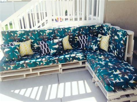 salon de jardin en palette le mobilier exterieur ecolo