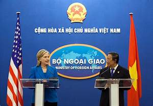 In Hanoi, Clinton Criticizes Vietnam on Rights Issues ...