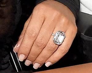 kim k wears 20 carat diamond ring from kanye west at 2016 With kim kardashian wedding ring price