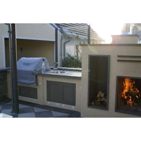 gemauerte outdoorkueche mit fire magic grill