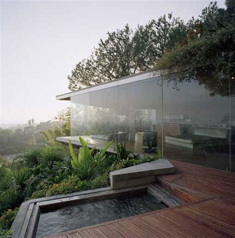 hollywood hills glass wall house  california favethingcom
