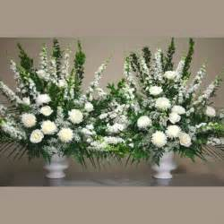 wedding altar decorations best 25 altar flowers ideas on delphinium