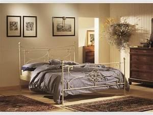 Lit Fer Forgé Fille : decoration chambre avec lit fer forge visuel 7 ~ Teatrodelosmanantiales.com Idées de Décoration