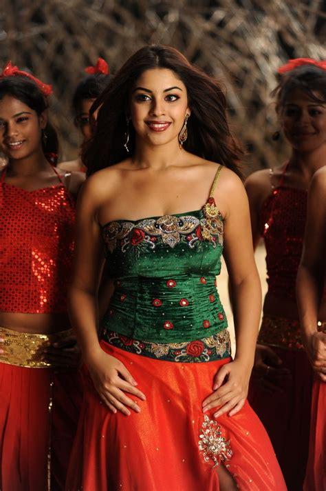 gorgeous richa gangopadhyay hot