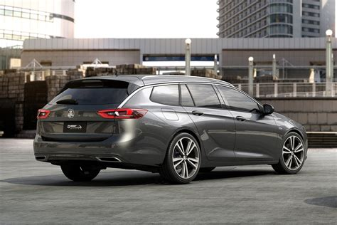 holden commodore calais sportwagon revealed