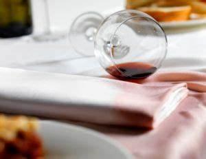 Enlever Tache De Vin Rouge : enlever une tache de vin ~ Melissatoandfro.com Idées de Décoration